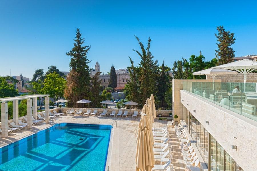 הבריכה במלון לאונרדו פלאזה ירושלים