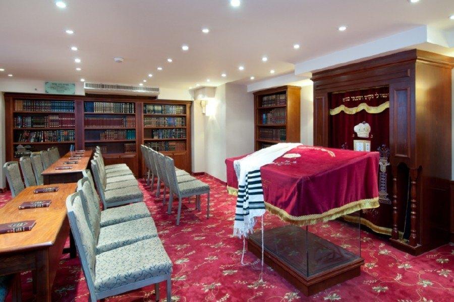 בית הכנסת במלון
