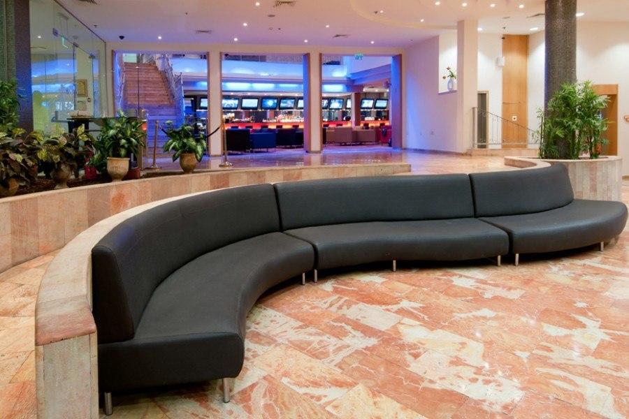רחבת הלובי במלון