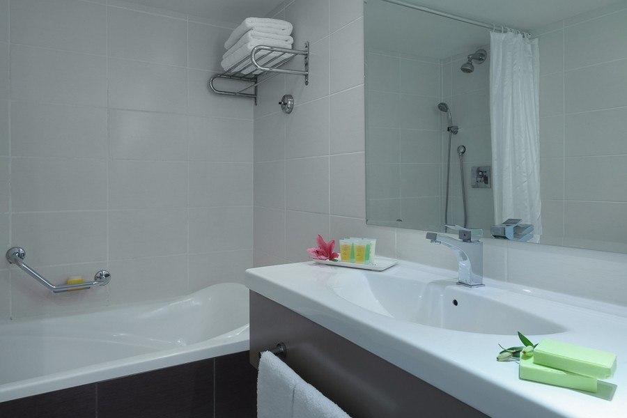 האמבטיה בחדר סופריור
