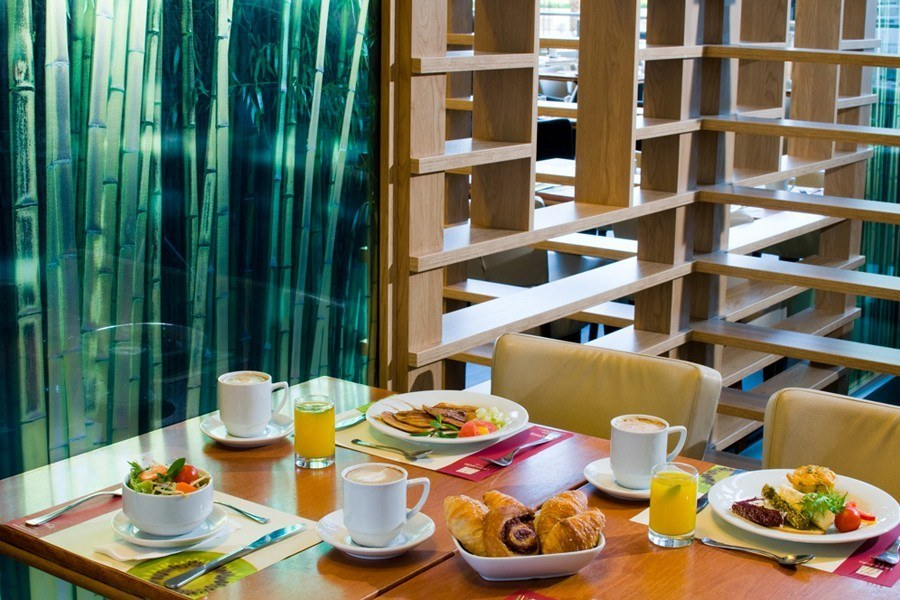 ארוחה במסעדת המלון