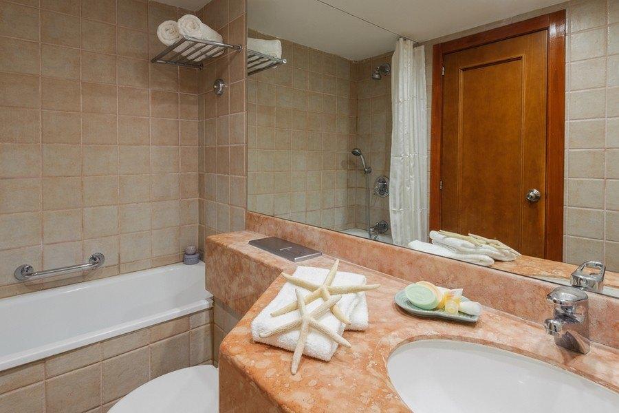 חדר אמבטיה בסוויטת ג'וניור