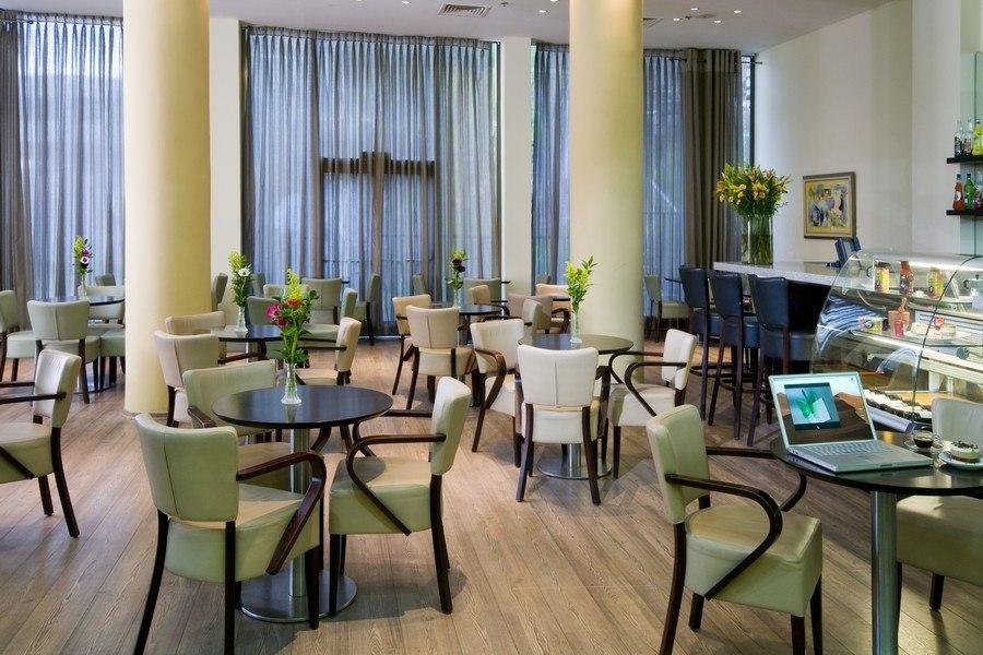 הלובי במלון לאונרדו טבריה