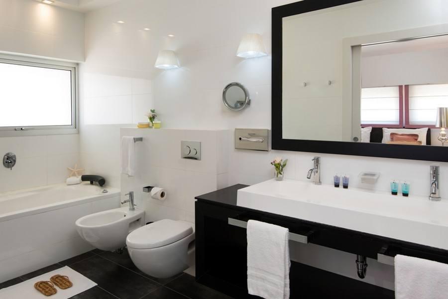 חדר אמבטיה בלאונרדו ארט תל אביב